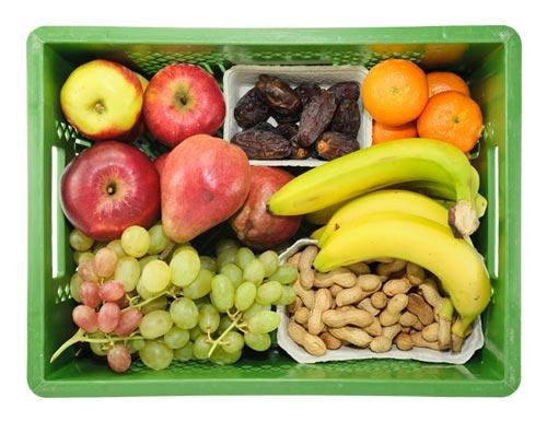 Die große Bürokiste enthält z.B.: Bananen, Äpfel, Birnen, Mandarinen, Datteln, Nüsse usw.
